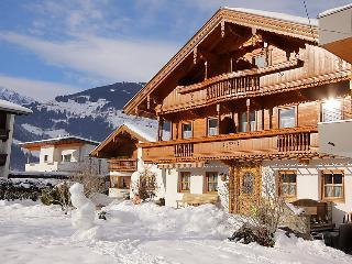 6 bedroom Villa in Mayrhofen, Tyrol, Austria : ref 5027103