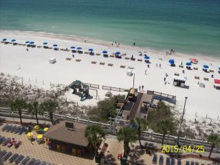 "Aug.28 to Sept 4 ""AVAILABLE"" $695. 1 bedroom Gulf Front incl. free beach service"
