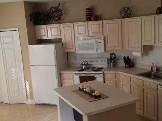 1 BR Condo Newly Renovated!, Port Saint Lucie