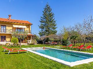 6 bedroom Villa in Pula Marcana, Istria, Croatia : ref 2299411