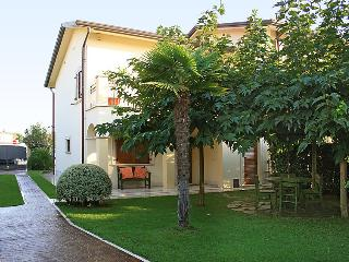 Villa in Forte dei Marmi, Versilia, Lunigiana and sourroundings, Italy