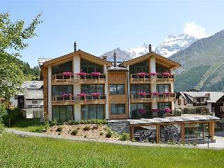 3 bedroom Apartment in Saas Fee, Valais, Switzerland : ref 2300681, Saas-Fee