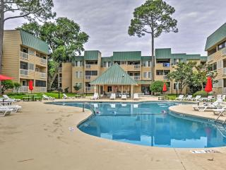 Gorgeous 3rd-Floor 2BR Hilton Head Villa on Port Royal Sound w/Walking Distance to Pier - Enjoy Spa, Pools, and Easy Access to Savannah!