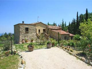5 bedroom Villa in Cetona, Tuscany, Italy : ref 2301144