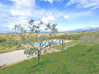 7 bedroom Villa in Cortona, Tuscany, Italy : ref 2301199