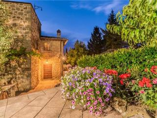 5 bedroom Villa in Monterchi, Tuscany, Italy : ref 2302372