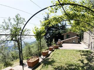 6 bedroom Villa in Cortona, Tuscany, Italy : ref 2302379