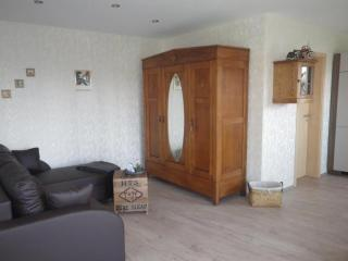 Vacation Apartment in Langerwehe - 431 sqft, great furnishings, parquet flooring, lots of space (# 9800)
