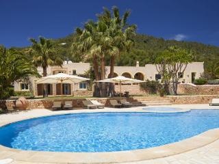 Villa in Sant Josep De Sa Talaia, Ibiza, Ibiza, Sant Josep de Sa Talaia