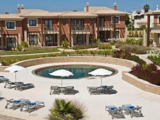 3 bedroom Apartment in Carvoeiro, Algarve, Portugal : ref 2307991