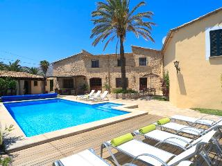 Catalunya Casas: Villa Grande Xica for up to 8 guests, just 6km to the beaches o