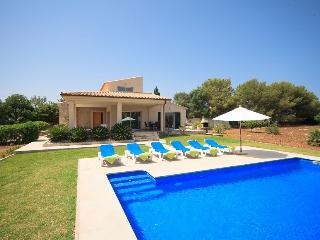 Catalunya Casas: Villa Emba for 6 guests, only 2km to the beaches of Mallorca! C
