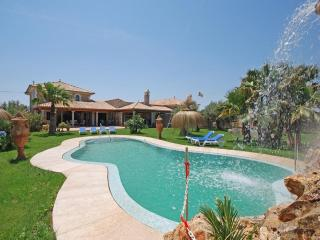 6 bedroom Villa in Muro, Mallorca : ref 4073