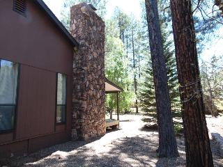 Pinetop Lakes Comfy Cabin