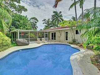 3BR Tropical Paradise w/ Pool in Central Location!