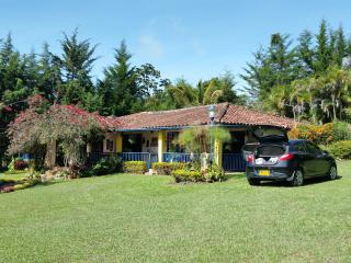 Beautiful Cottage in la mesa de los Santos - CO.