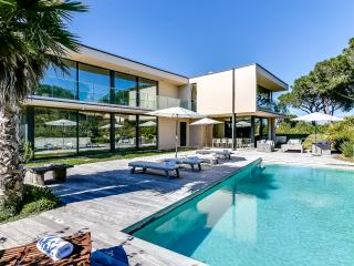 Modern villa near the beaches at Saint Tropez, Ramatuelle