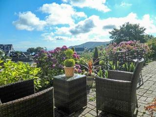 BEACHGLASS, first floor apartment, two bedrooms, off road parking, close to coast, in Lynton, Ref 933737