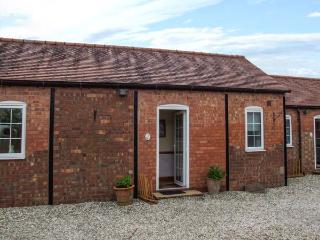 2 SHIRLEY FARM, close to amenities, shared garden, WiFi, Coventry, Ref 936329
