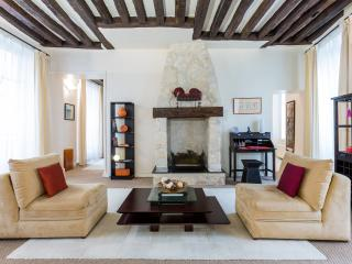 St Germain Gem: Upscale 1BD/1BA on rue Dauphine, Paris