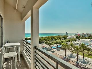 Romantic condo right in Seaside, overlooking amphitheater with ocean views - Love Monkey, Santa Rosa Beach