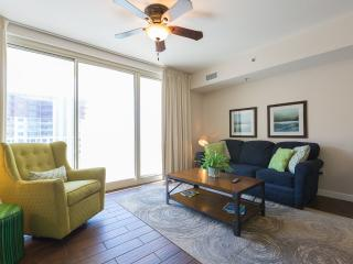 Very Clean!  18th Floor, all tile, memory foam beds, 2 bedroom, Panama City Beach