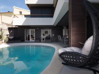 Apartment Mandalina, Šibenik - Garden Apartment