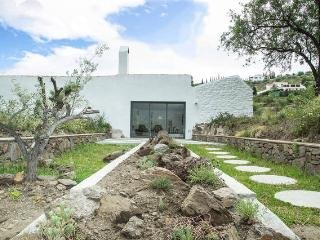 """el Morusco"" for mountain walks & beaches, Frigiliana"