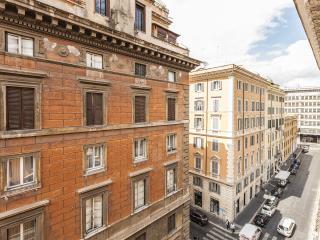 Domus Elelisa Apartment, Termini Monti