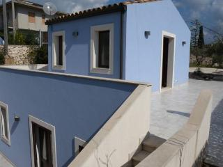 Blue House, Marina Di Modica