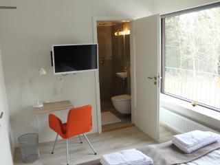 Brekkugerdi Guesthouse Room 4, (double/private), Selfoss