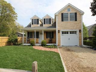 Beautiful New Four Bedroom Home Walking Distance to Town, Edgartown