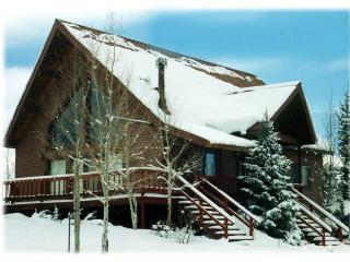 Peace in the Pines is a 3 bedroom vacation home in Pagosa Springs and is