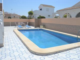 Detached Villa, Walk to Golf, Large Private Pool