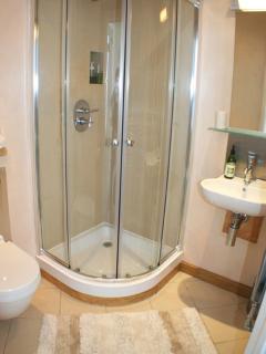 en-suite for room 1. same design en-suite room 2.