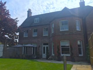 Substantial 6 bedroom Georgian house, Christchurch