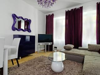 1. GRAND CENTRAL CITY APARTMENT MITTE 4ROOMS, Berlim