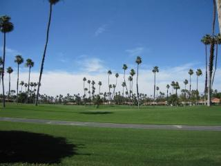 CE47 - Rancho Las Palmas Country Club - 2 BDRM Plus Den - 2 BA, Rancho Mirage