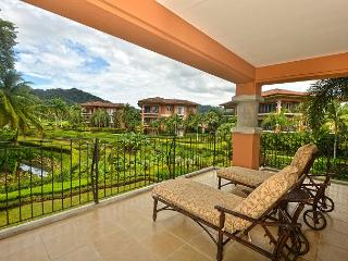 Style & Grace await in this condo at Los Sueños! Book for the Holidays!, Herradura