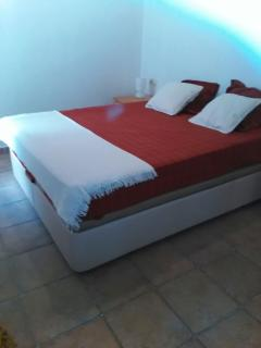 it is a very comfortable and well situated apartment, simple but has everything you need.