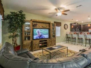 Outstanding 9 Bedroom Home in Champions Gate, Davenport