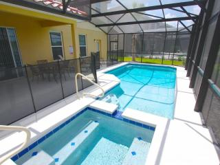 5 Bed Pool Home, Backs to Quiet Conservation Area, Davenport