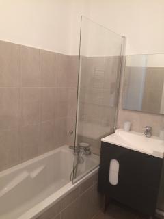 Salle de bain coin baignoire