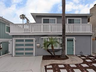 Walking distance to beaches, fishing and surf!