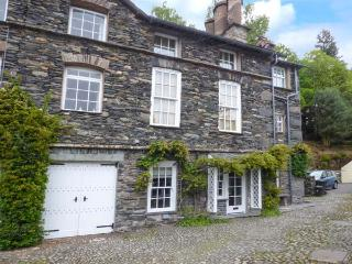 THE OLD LAUNDRY, all ground floor, en-suites, parking, shared garden, in Ambleside, Ref 916188