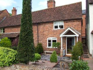 6 BURLTONS TERRACE, end-terrace, woodburning stove, parking, garden, in Bewdley, Ref 925255