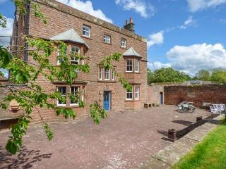 EDEN HOUSE, detached, Grade II listed, open fires, WiFi, large gardens, great walks in the area, Penrith, Ref 925455