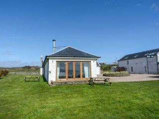 NETHER STRAVANNAN NORTH, coastal property, all ground floor, woodburner, Rothesay, Ref 929161