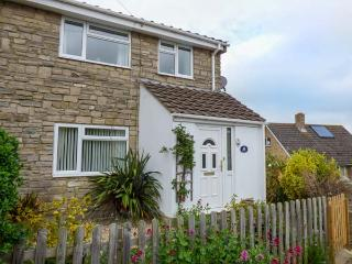 OCEANA, semi-detached, pet-friendly, garden, WiFi, nr Weymouth, Ref 932957