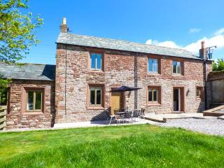 BRAMBLE COTTAGE, barn conversion, with roll-top bath, woodburning stove, and games room, in Birkby, Ref 933071, Dearham